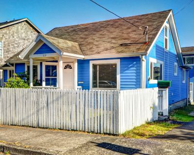 Dog-friendly house w/private hot tub & enclosed yard close to the beach - Seaside