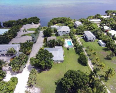 Cottage with Pool and Dockage, just minutes to Key West - Cudjoe Key
