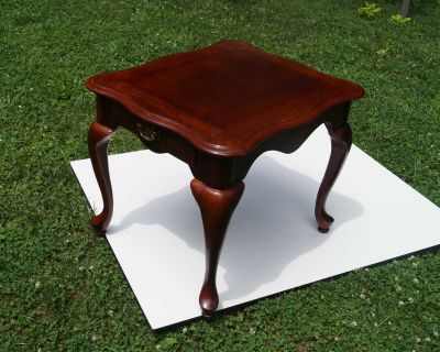 Wood Side Table - Cherry