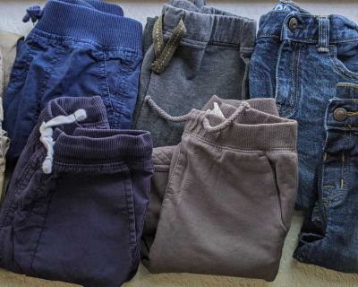 9 pairs of pants size 4t
