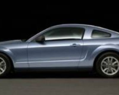2005 Ford Mustang 2dr Coupe Premium