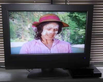 """26 """" ELEMENT TV WITH DVD PLAYER AND REMOTE CONTROL"""