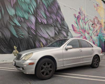 2002 Mercedes-Benz C-Class C240 W203