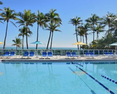 Great Escape! ONE Amazing 2br/2ba Suites, Pool, Gym, Tennis! - Mid Beach
