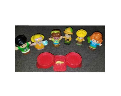 Little People Campers & Firepit/Picnic Table