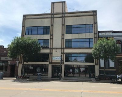 4 Story Retail/Office/Residential Building For Sale