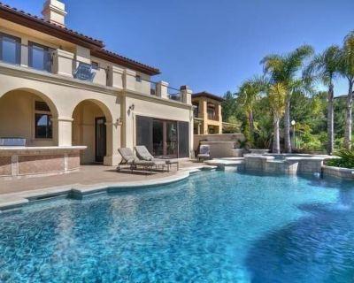 Pelican Heights 5 Bedroom 6 Bath Luxury Pool Estate - Newport Coast