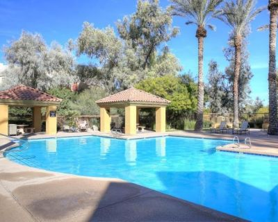Beautiful Fully Furnished Two Bedroom / 2 BA Condo - Paradise Valley Village