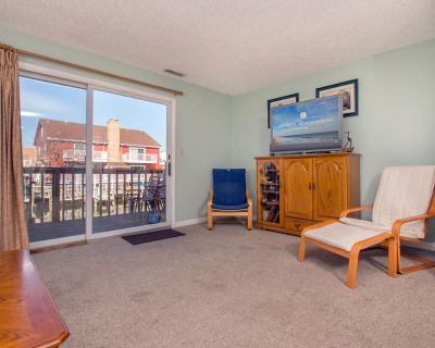 Two level townhouse on the canal witha boat dock. - Midtown Ocean City