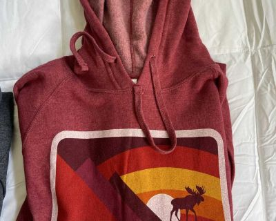Never worn hoodie from Maine