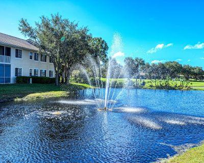 2 Bedroom + den condo with boat ride to your private beach. short walk to pool - Bonita Springs