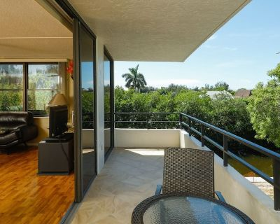 Luxury Private Apartment with Pool on The Anchorage, Siesta Key Apartment 1003 - Siesta Key