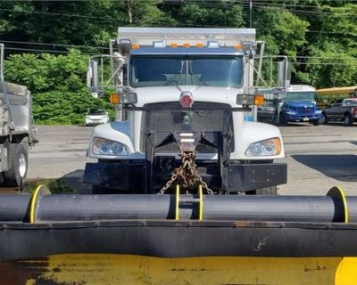 2013 KENWORTH SINGLE AXLE Plow, Spreader Trucks Truck