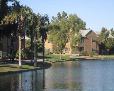 Lakeside 2 Bedroom Condo at Andersen Springs, Great View - Chandler