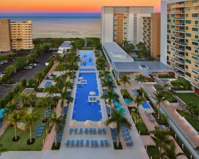 Marriott's Crystal Shores - Full Resort Access - 2 Bedroom Island View - Marco Island