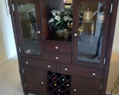 Custome Jewelry, excellent condition furniture, tv's, kitchen items, plants, pictures, vintage glass