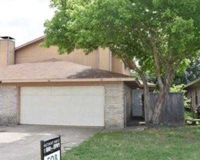 523 S Las Vegas Trl, White Settlement, TX 76108 3 Bedroom Apartment