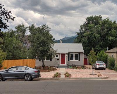 Modern Farm House: Fire pit, Old Colorado City - Old Colorado City