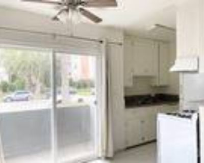 $1650/3766 S. Canfield Ave-#1-Hardwood Floors, Private Balcony, 1BR, 1bth, O...