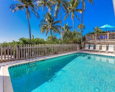 Crane Duplex - Amazing Beachfront Home for Large Families- Handicap accessible - Mid Island