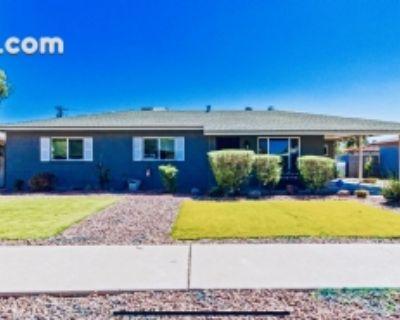$9000 3 single-family home in Phoenix Northeast