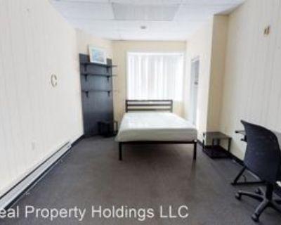 25 E Clinton St, Binghamton, NY 13901 Room