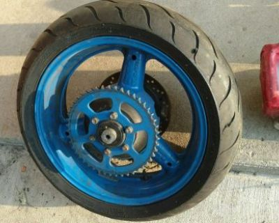 95 Gsxr 1100 Oem Rear Rim With Newer Dunlop Tire (look Free Shipping)