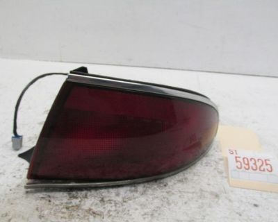 97 98 99 00 01 02 03 04 05 Century Right Rear Quarter Mounted Tail Light Lamp