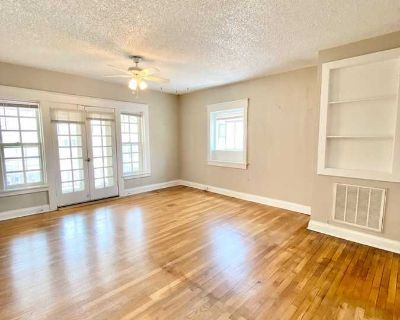 1 Bedroom with Large Balcony in Midtown