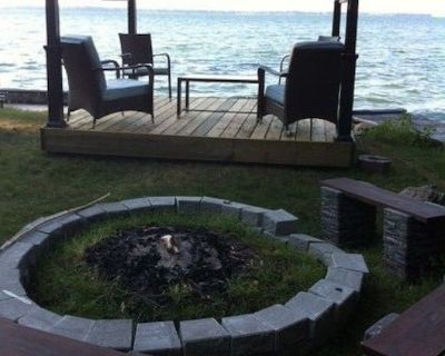 Work &school from Family Lake Front Cottage On Simcoe high speed cable internet - Virginia
