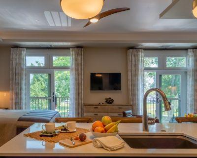 Distinctive Balcony Suite Right in Downtown Paso Robles - Paso Robles