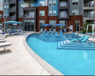 Luxurious & Comfy   Pool, Gym, Business + More - King of Prussia