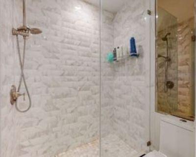 1745 Camino Palmero St, Los Angeles, CA 90046 1 Bedroom Condo