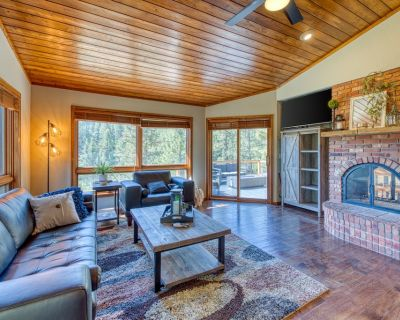 Dog-friendly mountain lodge w/ great views, furnished porch & gas firepit! - Woodland Park