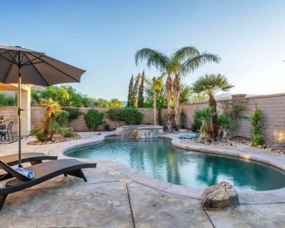 Walking distance to Coachella Pet Friendly with pool, spa, and games! - Indio