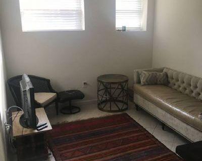 One Bedroom In Bloomingdale