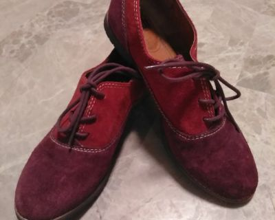 Womens 7M Vintage Suede Leather Shoes