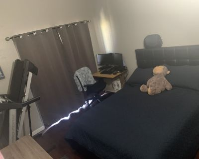 Room for rent in anaheim
