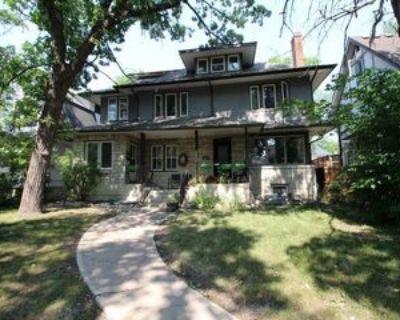 999 3-999 Grosvenor Ave, Winnipeg, MB R3M 0M7 1 Bedroom Apartment
