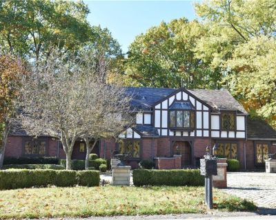 House for Sale in Pittsburgh, Pennsylvania, Ref# 201674290