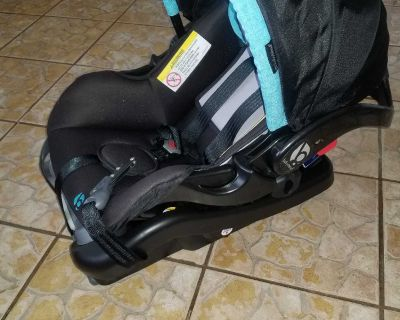 Baby Trends infant carseat