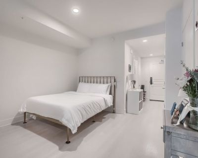 Bright & Modern Studio Apt in DTLA - Historic Core