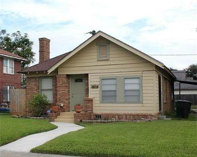 2611 Rosewood Street, Houston, TX 77004