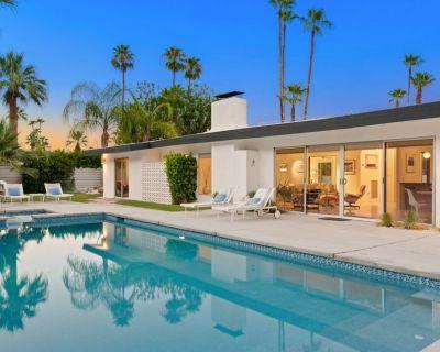 Classic Alexander Home in the Heart of Vista Las Palmas with Pool and Hot Tub - Vista Las Palmas