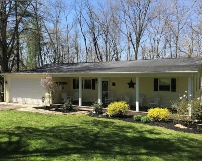 Rocky Fork Lake house with boat slip within walking distance. - Hillsboro