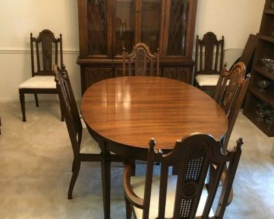 8 piece vintage dining room furniture set with 6 chairs, table and china cabinet