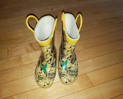 Rain boots size 10