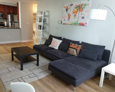 Spacious furnished home office condo in Little Italy - Free Secure Parking - Downtown San Diego