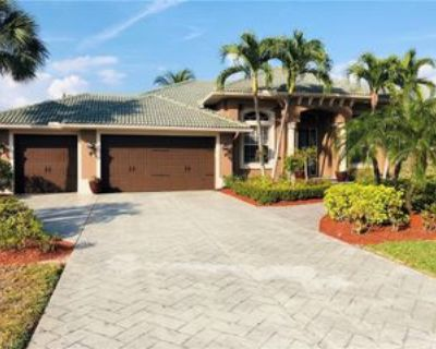 8666 Lakefront Ct, Fort Myers, FL 33908 3 Bedroom House
