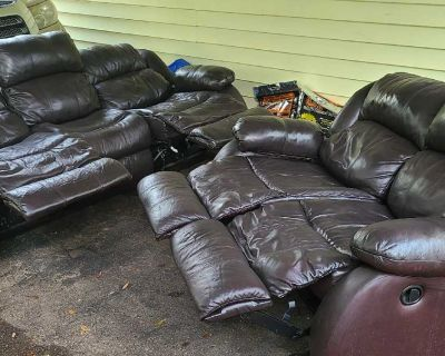 Recliners sofa and loveseat .